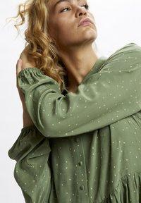 Denim Hunter - Shirt dress - oil green dot print - 3