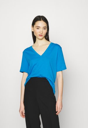 LAST V NECK - Basic T-shirt - blue