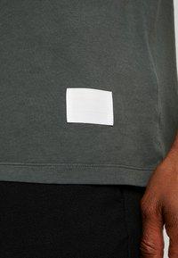 Replay Sportlab - T-shirt con stampa - dark green - 5