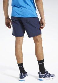 Reebok - UTILITY ESSENTIALS TRAINING 1/2 - Pantaloncini sportivi - blue - 2