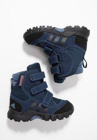 adidas Performance - CW HOLTANNA SNOW  - Zimní obuv - core black/collegiate navy/tech ink - 0