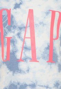 GAP - GIRL LOGO TIE DYE - Triko spotiskem - blue - 2
