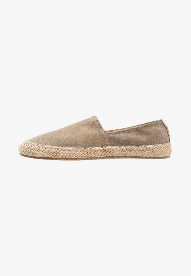 UNISEX - Espadrilles - brown