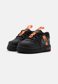 Nike Sportswear - FORCE 1 UNISEX - Baby shoes - black/total orange - 1