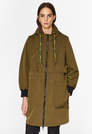 TECHNICAL - Trenchcoat - khaki