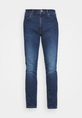 GREENSBORO - Jeans straight leg - cool pool