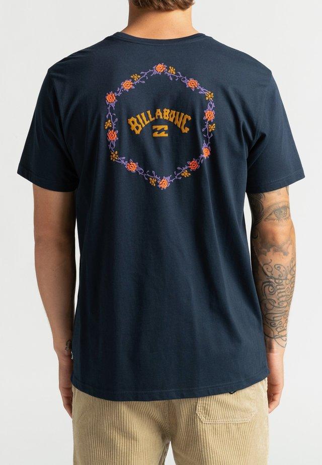 ACCESS - Print T-shirt - navy