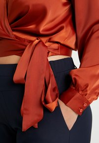 Glamorous Curve - WRAP  - Blouse - rust - 4
