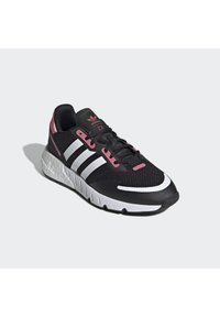 adidas Originals - Trainers - cblack/ftwwht/hazros - 3