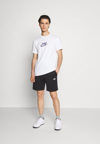 Nike Sportswear - TRIBUTE - Shorts - black/white - 1