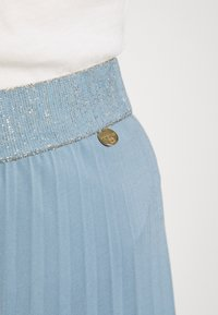 Rich & Royal - PLISSEE SKIRT - Pleated skirt - smoked blue - 3