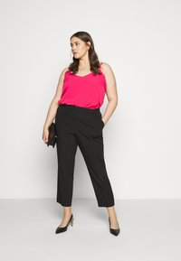 CAPSULE by Simply Be - STRAPPY CAMI - Top - fuschia - 1