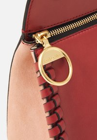 See by Chloé - TILDA MEDIUM TILDA - Handbag - faded red - 3