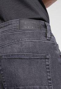 Esprit - Straight leg jeans - black medium wash - 4