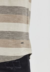 Solid - RUNDHALSSHIRT THICCO - Print T-shirt - dusty olive - 4