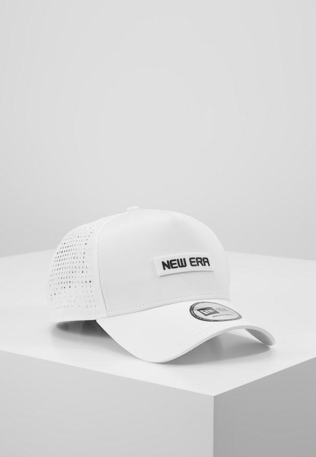 TECH - Cap - white