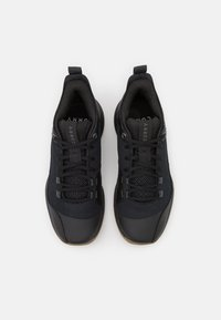 Under Armour - 3Z5 - Basketball shoes - black - 3