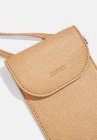 Esprit - Phone case - camel - 7