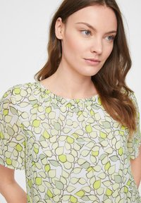 comma casual identity - Blouse - offwhite leaf - 4