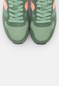 Diadora - Trainers - green basil/peach pearl - 5