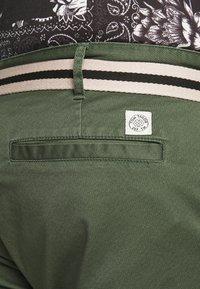 TOM TAILOR MEN PLUS - BERMUDA - Shorts - green - 3