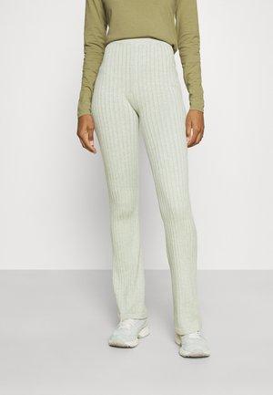 VEGETABLE DYE FLARE PANT - Teplákové kalhoty - mulberry lead green