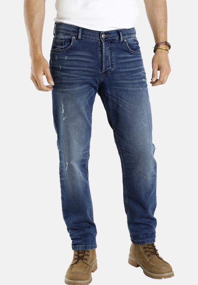 FREKI - Straight leg jeans - blau