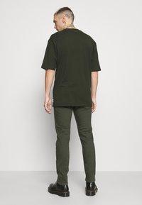 Diesel - LUSTER - Slim fit jeans - green - 2