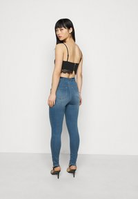 Missguided Petite - VICE HIGHWAISTED SKINNY WITH ZIP FLY - Jeans Skinny Fit - blue - 2