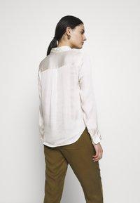 Banana Republic - DILLON SOFT - Button-down blouse - snow day - 2