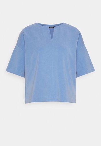 UBAK - Sweatshirt - like water