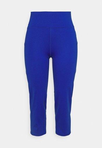 VARLYN SKINNY PANT - Shorts - sapphire star