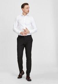 PROFUOMO - Formal shirt - white - 1