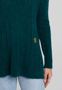 Tommy Hilfiger - ESSENTIAL CABLE - Maglione - green - 5