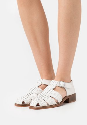 FRANCES - Loaferit/pistokkaat - white