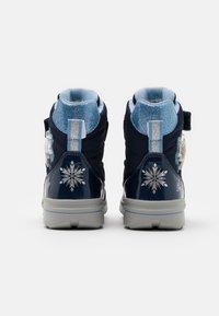 Geox - DISNEY FROZEN SVEGGEN GIRL ABX GEOX - Winter boots - Winter boots - navy/sky - 2