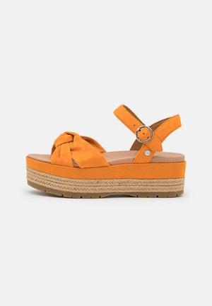 TRISHA - Sandály na platformě - california poppy