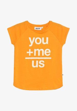 REINETTE - Camiseta estampada - ball orange