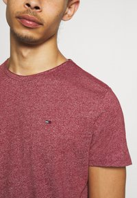 Tommy Jeans - ESSENTIAL JASPE TEE - T-shirts basic - wine red - 5
