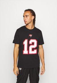 Fanatics - NFL TOM BRADY TAMPA BAY BUCCANEERS ICONIC NAME NUMBER GRAPHIC  - Club wear - black - 0