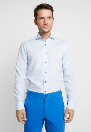 SLIM FIT  - Formální košile - light blue
