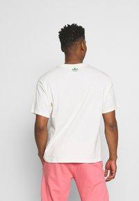 adidas Originals - STAN UNITE TEE UNISEX - T-shirt con stampa - off-white - 2