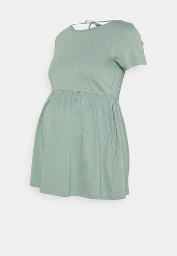 MLHAZEL  - T-shirts med print - chinois green
