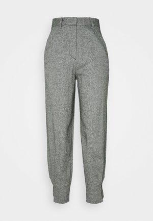 FLEUR TROUSERS - Pantaloni - grau
