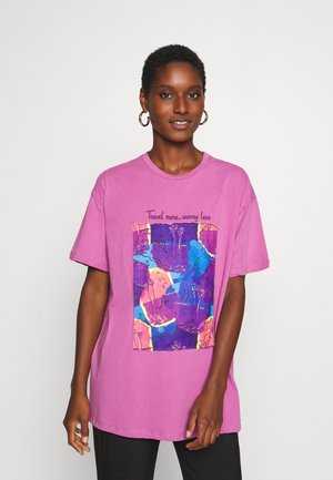 T-shirt con stampa - lila
