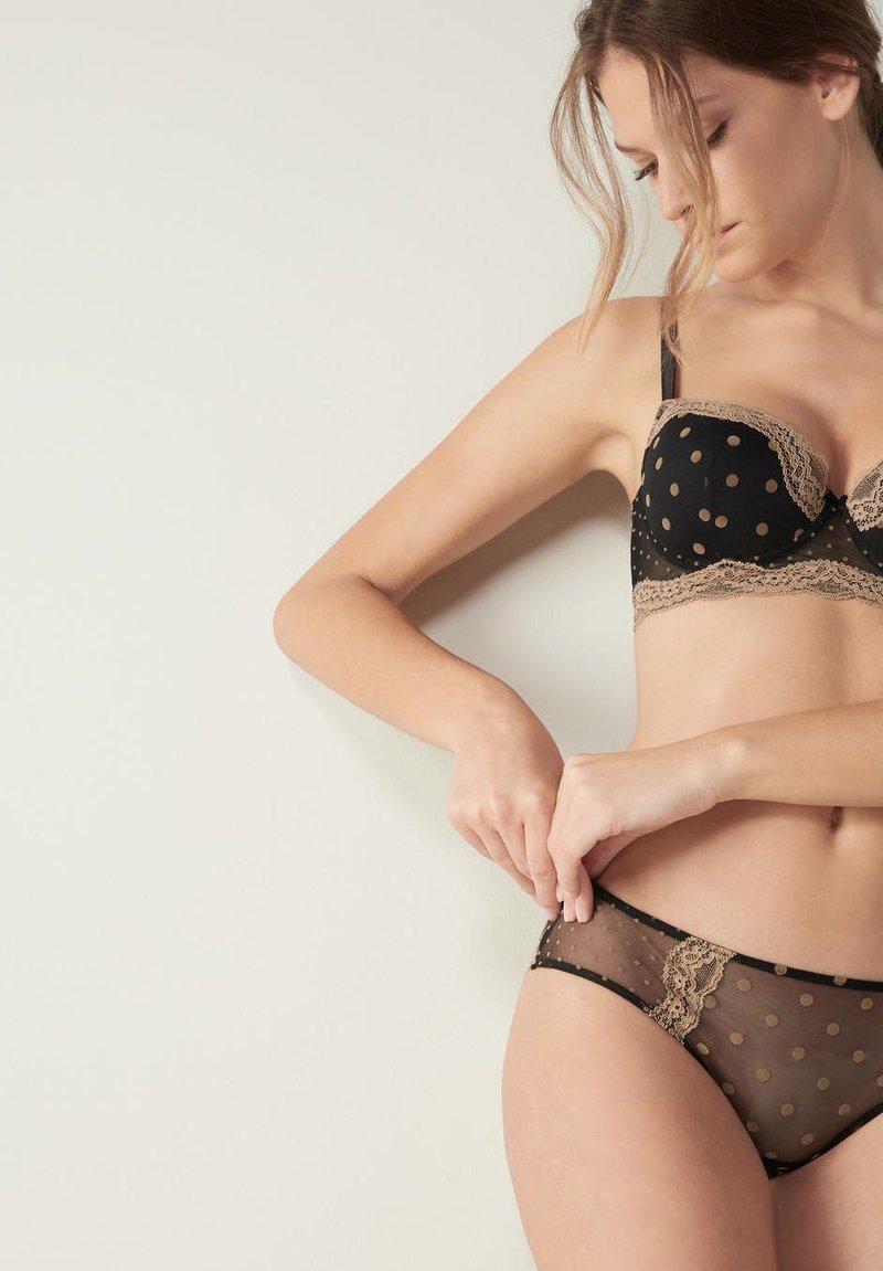 Intimissimi - Pants - schwarz - i - black/natural camel