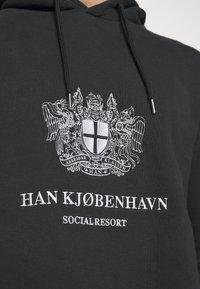 Han Kjøbenhavn - BULKY HOODIE - Hoodie - faded black/white - 4