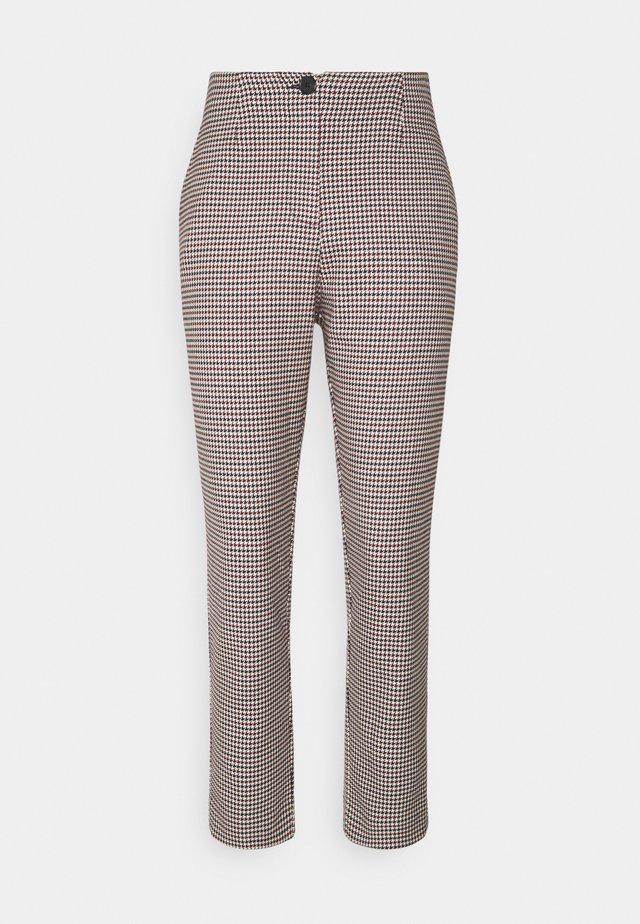 BLAIRE TROUSERS - Pantalon classique - rot/blau/mischfarben