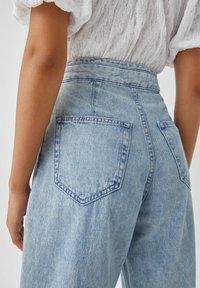 PULL&BEAR - Relaxed fit jeans - mottled light blue - 5