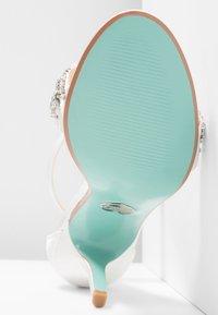 Blue by Betsey Johnson - GINA - Sandály na vysokém podpatku - ivory - 6